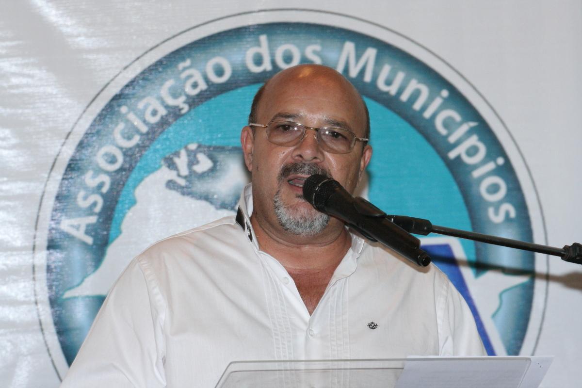 AMA DEFINE ESTRATÉGIAS MUNICIPALISTAS PARA 2015