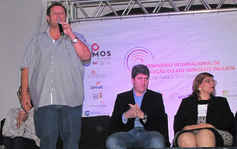 Para Antônio Carlos Macarrão do Prado, presidente da AMA, é a Educação que irá proporcionar uma melhor qualidade de vida para a população.